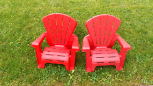 Two plastic outdoor chairs for $5