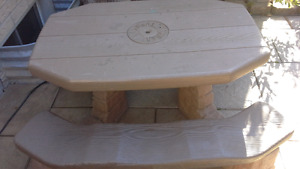 Kid's outdoor picnic table