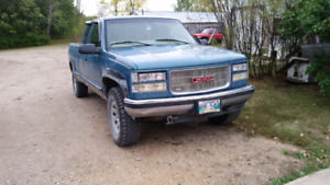 Parting out 98 Gmc Sierra