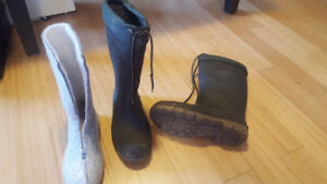 Reduced - Lined rubber hunting boots size 8