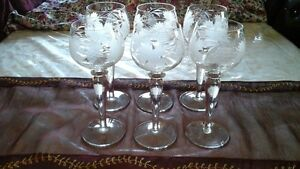 ETCHED CRYSTAL WINE GLASSES - Set 6 - MIKASA GRAPEVINE