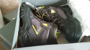 Ecco boots new size 13.5 West Island Greater Montréal image 3