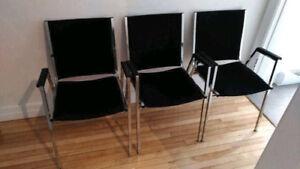 """1 superbe chaise de style """"salle d'attente"""" - TRÈS PROPRE!"""