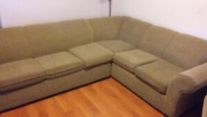 Sectional sofa in excellent condition with a sofa bed