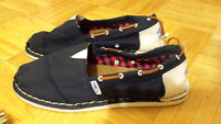 Authentic Navy Toms (boat style) Size 9.5