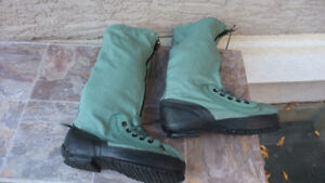 MUKLUKS , US Airforce Flight boots , NEW