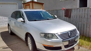 ***NOT RUNNING*** 2006 VW PASSAT.  Gasoline engine. 132000km.