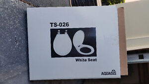 Aquadis Toilet seat for regular round front bowl.
