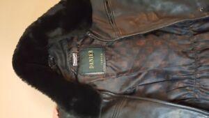 Manteau hiver vrai cuir (Danier) - winter leather jacket - femme