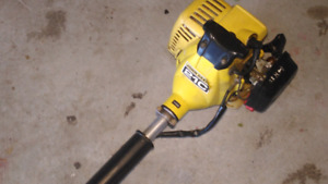 Great john Deere trimmer just needs new gas tank cheap