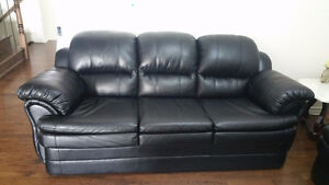 Good quality Italian leather sofa set for sale only 8 months old