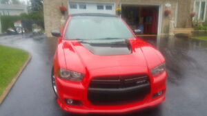 2013 Dodge Charger cuir rouge Berline