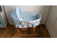 Moses basket with bedding