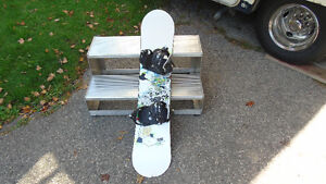 Sims snowboard with bindings and boots Kitchener / Waterloo Kitchener Area image 2