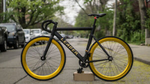 LEADER 725 TRACK BIKE (FIXIE) - LOW MILEAGE - GREAT CONDITION
