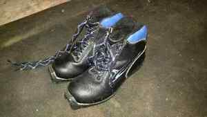 Kids XC Boots Size 3.5