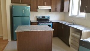MOVE ASAP - New house (mayfield /Creditview)