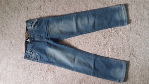 New Boys Jeans 9-10 years (it can be adjusted from the waist)