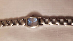 FOSSIL  F2 Women's Ladies Wrist Watch