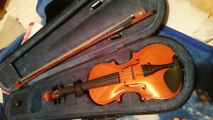 1/8 Violin/Fiddle with case,bow,resin&chin rest