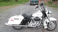 2004 ROAD KING POLICE SPECIAL