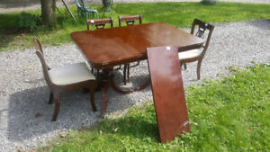 Mahogany Duncan Phyfe Style Dining Table and 4 Harp Back Chairs