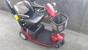 electric scooter pride victory 10 red color 3 wheels call 647-78
