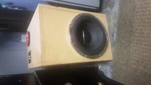 """Subwoofer 12"""" Audiobahn   Amp Sony"""