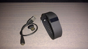 Fitbit Charge HR large a vendre.