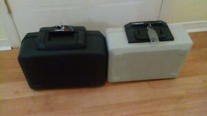 Pair of SENTRY fireproof safes 25 each