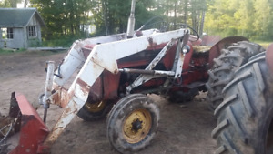 Looking  for a international  434 or a 414 parts  tractor