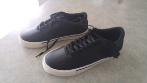 Chaussure neuf pour homme