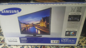 "28"" Samsung LED tv H4000 Series new in box"