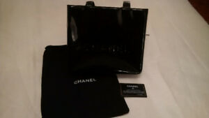 AUTHENTIC CHANEL PATENT LEATHER CC HAND TOTE BAG
