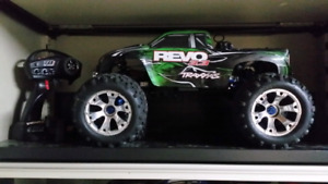 I will buy your  Nitro rc car, truck or whatever! Traxxas Losi