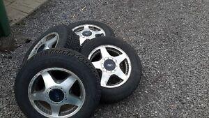 4 pneus hiver 16 pouces avec mag pour escape 2013 et plus Saguenay Saguenay-Lac-Saint-Jean image 1