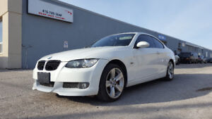2008 BMW 335i Twin Turbo White Coupe (2 door) Red interior