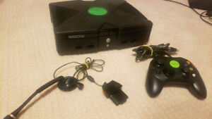 Modded XBOX with HDD - 2 Controllers & Games
