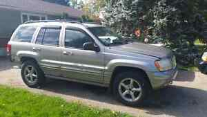 Parting out 2002 Jeep Grand Cherokee  Cambridge Kitchener Area image 1