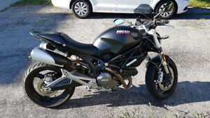 2014 Ducati Monster 696, 11,000km