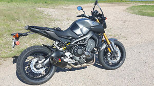 SOLD - 2015 YAMAHA FZ09 FLASHED WITH AKRO EXHAUST