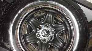 Pneus hiver et roues d'origine 245-70-R17 General TIre West Island Greater Montréal image 4
