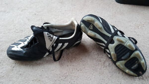 Adidas Souliers soccer/ Soccer Shoes  Taille/Size 6.5 US