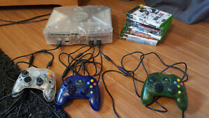 Original XBOX with 3 controllers/7 games