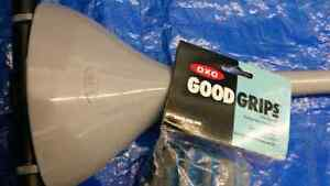 Oxo Good Greep Roller Mop and 2 Refils