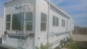 2000 Terry EXL 36 ft fifth wheel camper