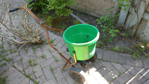 THE LAWNCRAFTER FERTILIZER BARROW FOR SALE! GOOD CONDITION! WORK