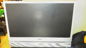 50-Inch Rear-Projection Widescreen Samsung HDTV