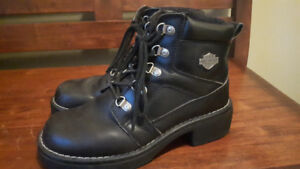 **Ladies Harley Boots **-Size 6 1/2  ,slightly  used!  $25