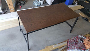 Solid 1-inch wooden workbench - ideal 4 handy work or computers